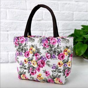 Handbags - Small adorable flower 🌸 bag